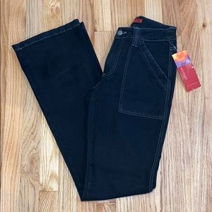 NWT Womyn High Waisted Flared Black Jeans Sz 2